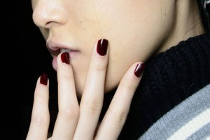 embedded_dark_red_nail_color_fall_2014